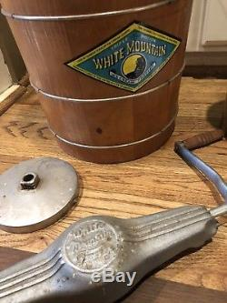 White Mountain Large 8 Qt. Hand Crank Ice Cream Freezer